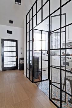 Verrière atelier - Gorski Residence by FJ Interior Design séparation cuisine / salon