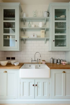 Villeroy & Boch Farmhouse sink, Perrin & Rowe Taps in a Classic English country kitchen by deVOL