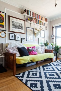 House Tour: A 325 Square Foot Chicago Studio Apartment | Apartment Therapy