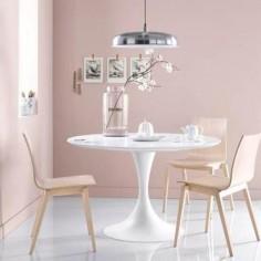 Les couleurs pastel choisies par Pantone pour l'année 2016 – le bleu layette (« serenity») et le rose poudré («rose quartz») – se prêtent bien à un décor romantique et minimaliste.