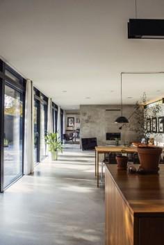 Simple Living (4)...Chequen este increíble proyecto, donde el interior y el exterior se funden y comparten áreas.