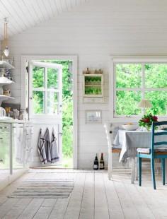Veja essas quatro casas de campo escandinavas clássicas através destas fotos, que surpreendem pela decoração acolhedora e relaxante.
