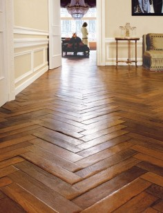 WOOD FLOOR HERRINGBONE
