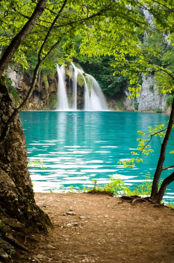 Beautiful Pictures Images The Most Beautiful Girl At World: 15 Beautiful Waterfalls From Around The World
