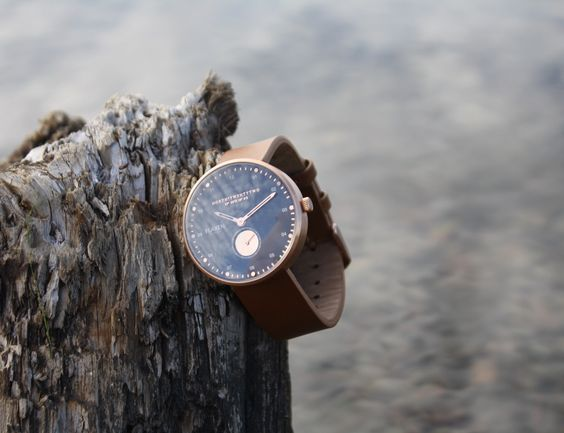 Arkipelag is a Swedish word referring to a group of islands. The collection will consist of four different models, all four available in both 38mm and 42mm.