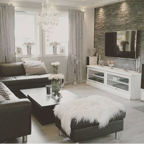 Magical Thinking Rug Home Decor Inspiration sur Instagram : Black and white ...