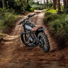 2007 Triumph- Macco Motors Where'd that year go? Suddenly 'tis the season to be jolly and we're on our last bike of the year. Damn. So, what better way to say 'season's greetings' than with the latest build from Spain's ...