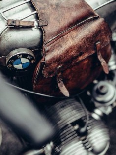 BMW / BIKE SHED - EXHIBITION PARIS 2015 GRIZZLY RIDE OUT - SOUTHSIDERS / © Laurent Nivalle /