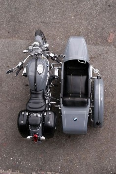 BMW R1200C with sidecar