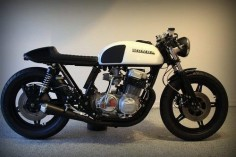 Custom #CB750 with a #CX500 tank. #HONDA