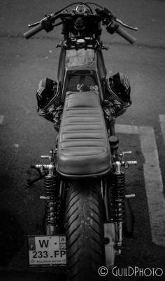 Moto Guzzi 1100 Cafe Racer by Zombie Customs - Photo by Guillaume Ducasse Photography #motorcycles #caferacer #motos |