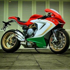 motorcycles-and-more:  MV Agusta F3