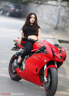 Pretty Girl On Racing Motorcycle Ducati 1299 Panigale Wallpaper. Source:  - Pesquisa Google