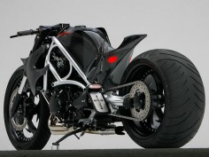 Suzuki Hayabusa custom motorcycle. Dig that seat!