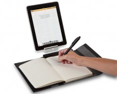 Targus iNotebook instantly copies handwritten notes to your iPad