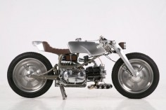 The 2013 AMD World Championship title has just been won by Medaza Cycles' Rondine. A one-off frame carries a single-cylinder, 1971 Moto Guzzi Nuovo Falcone 500 engine.