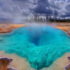 The Deep Blue Hole In Yellowstone - Spectacular wonder!